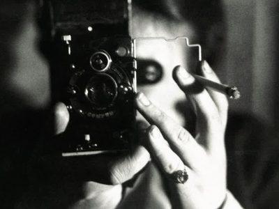 Germaine-Krull_Autoportrait a l'icarette 1925 circa Centre Pompidou